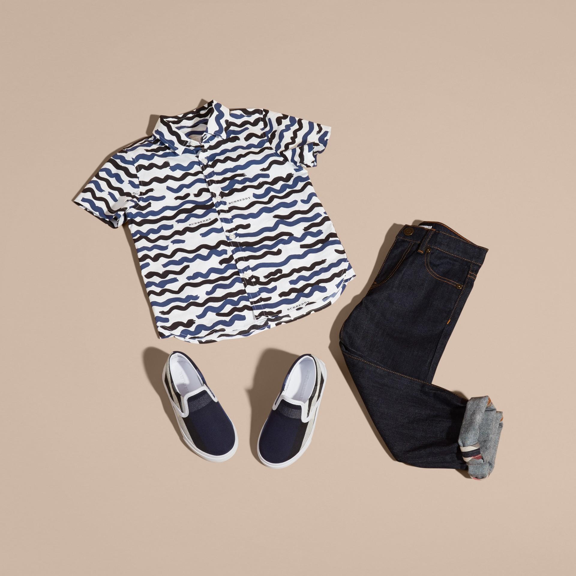Short-sleeve Waves Print Cotton Shirt - gallery image 5