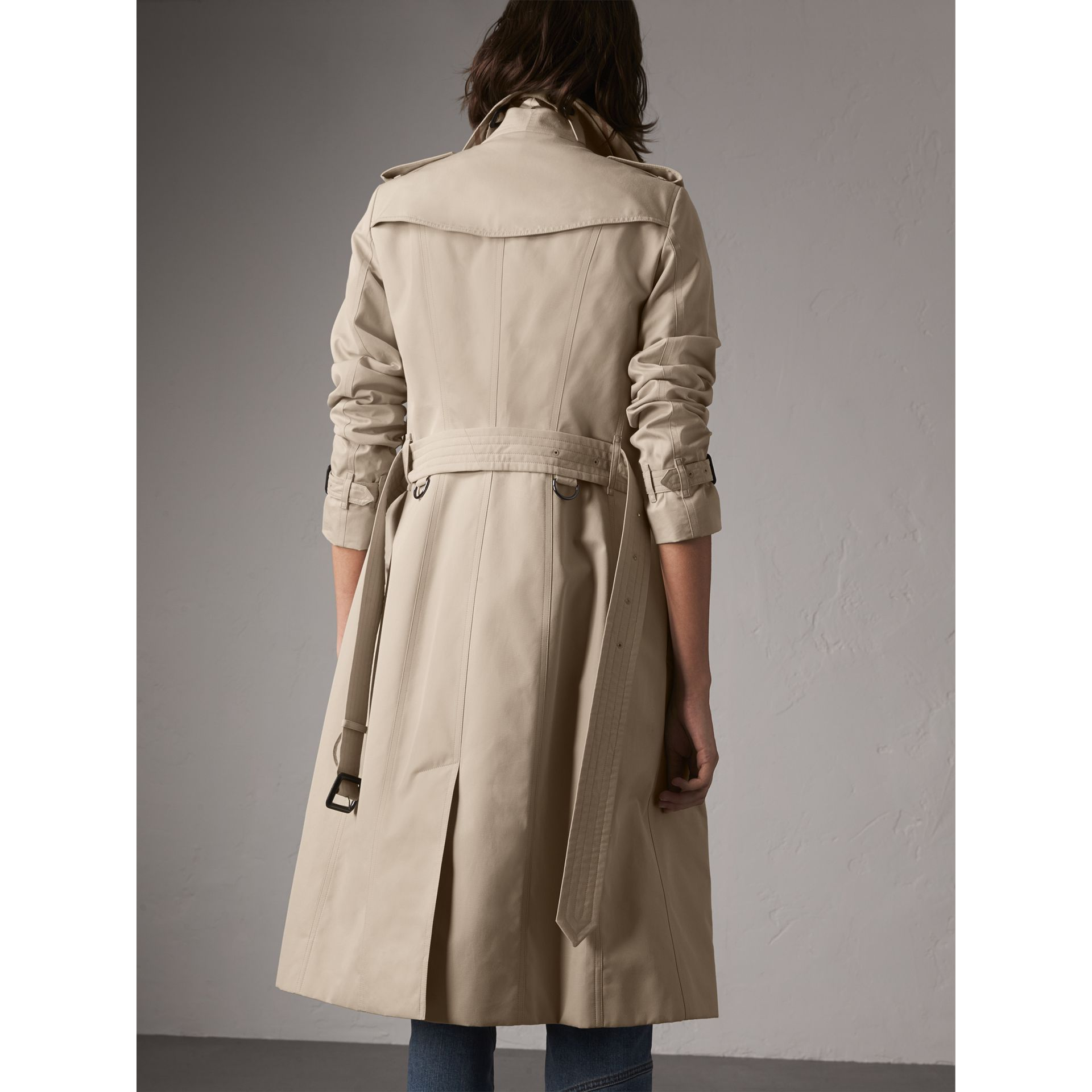 The Sandringham – Extra-long Heritage Trench Coat in Stone - Women | Burberry - gallery image 3