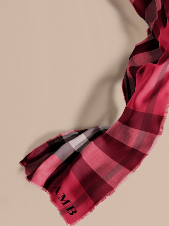 The Lightweight Cashmere Scarf in Check in Fuchsia Pink