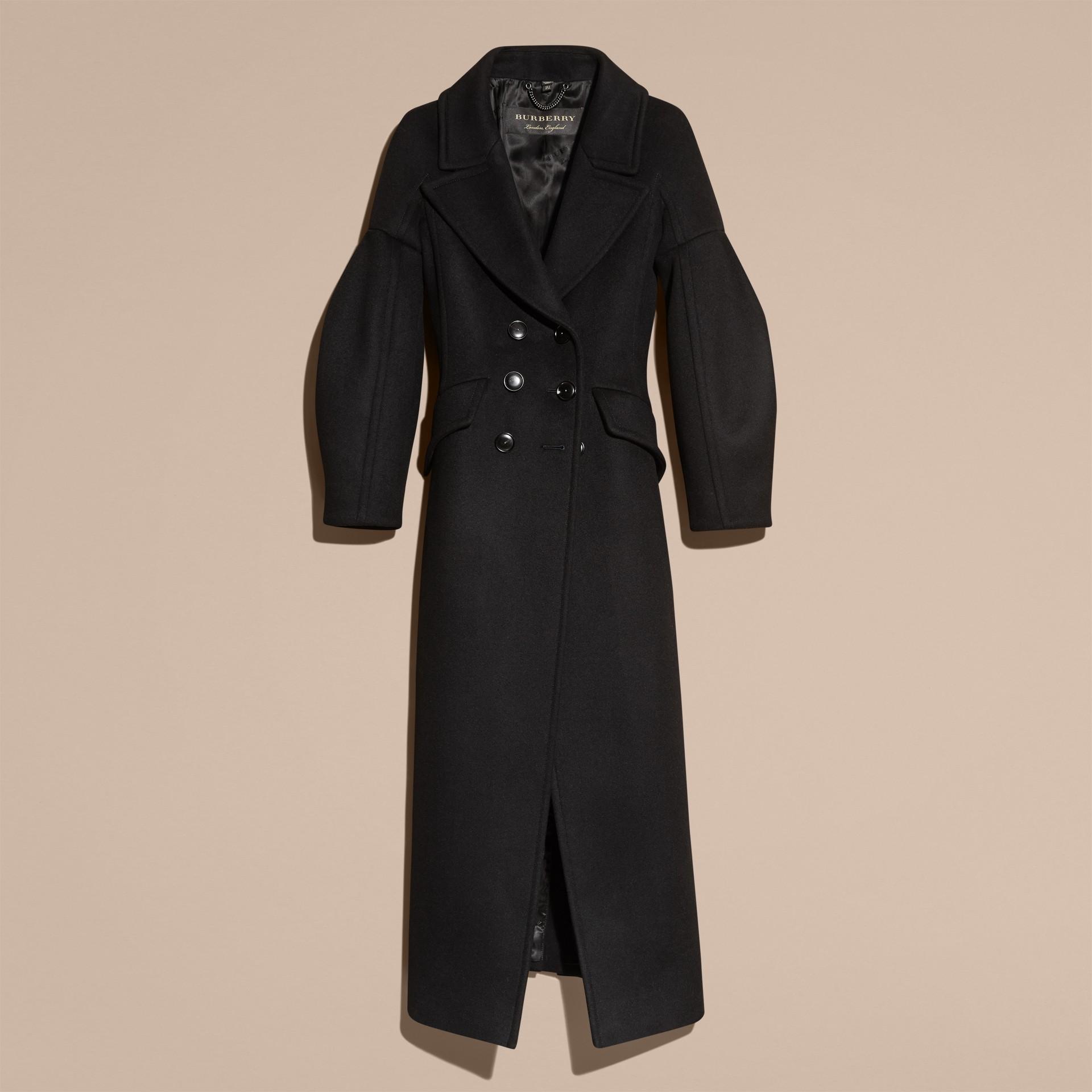 Noir Manteau en laine avec manches bouffantes - photo de la galerie 4