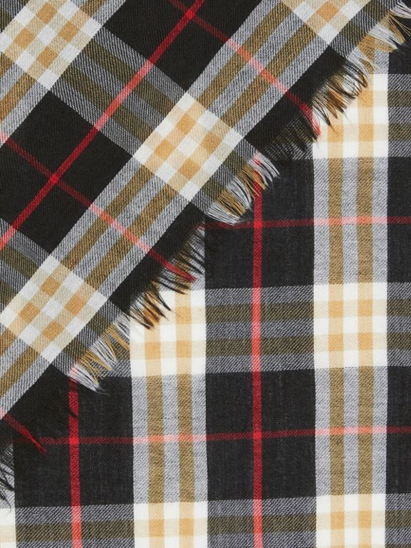 Vintage Check Lightweight Cashmere Scarf in Black | Burberry United Kingdom - cell image 1