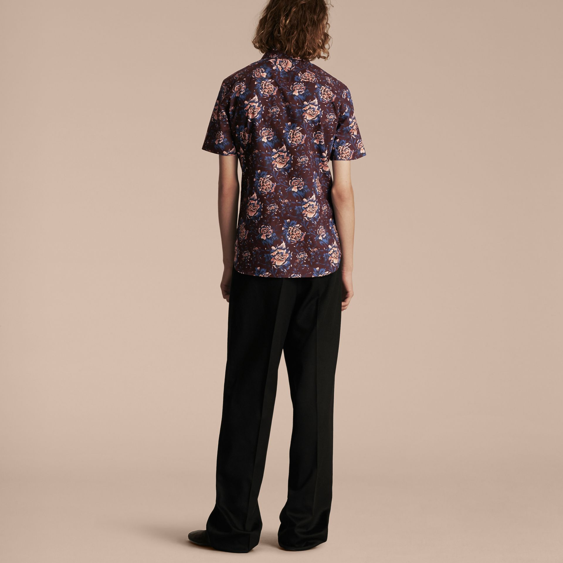 Deep claret Short-sleeved Peony Rose Print Cotton Shirt - gallery image 3