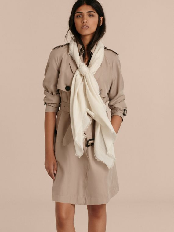 The Lightweight Cashmere Scarf in Natural White - cell image 2