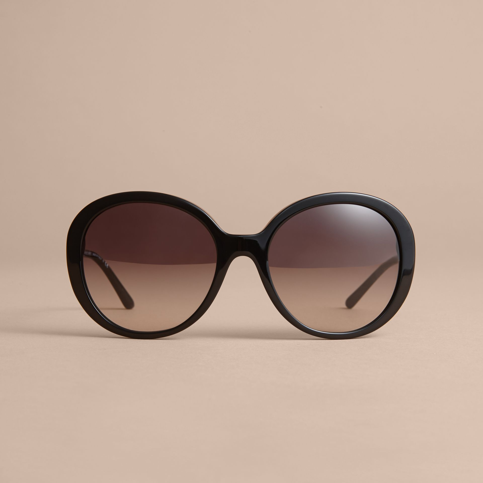 Check Detail Round Frame Sunglasses Black - gallery image 3
