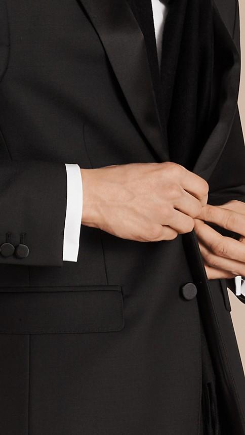 Noir Smoking de coupe moderne en laine et mohair - Image 3
