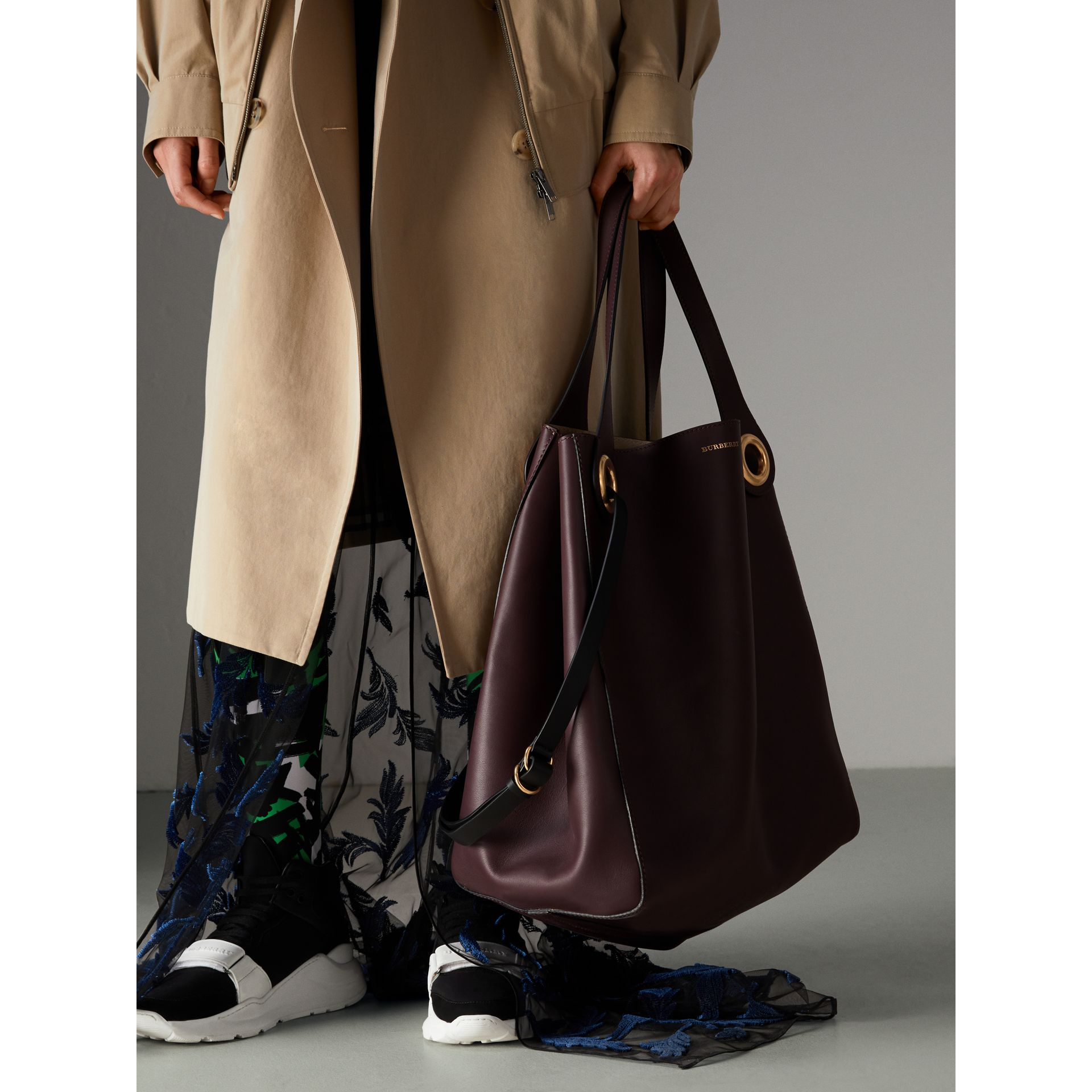 The Large Leather Grommet Detail Tote in Deep Claret | Burberry United Kingdom - gallery image 8