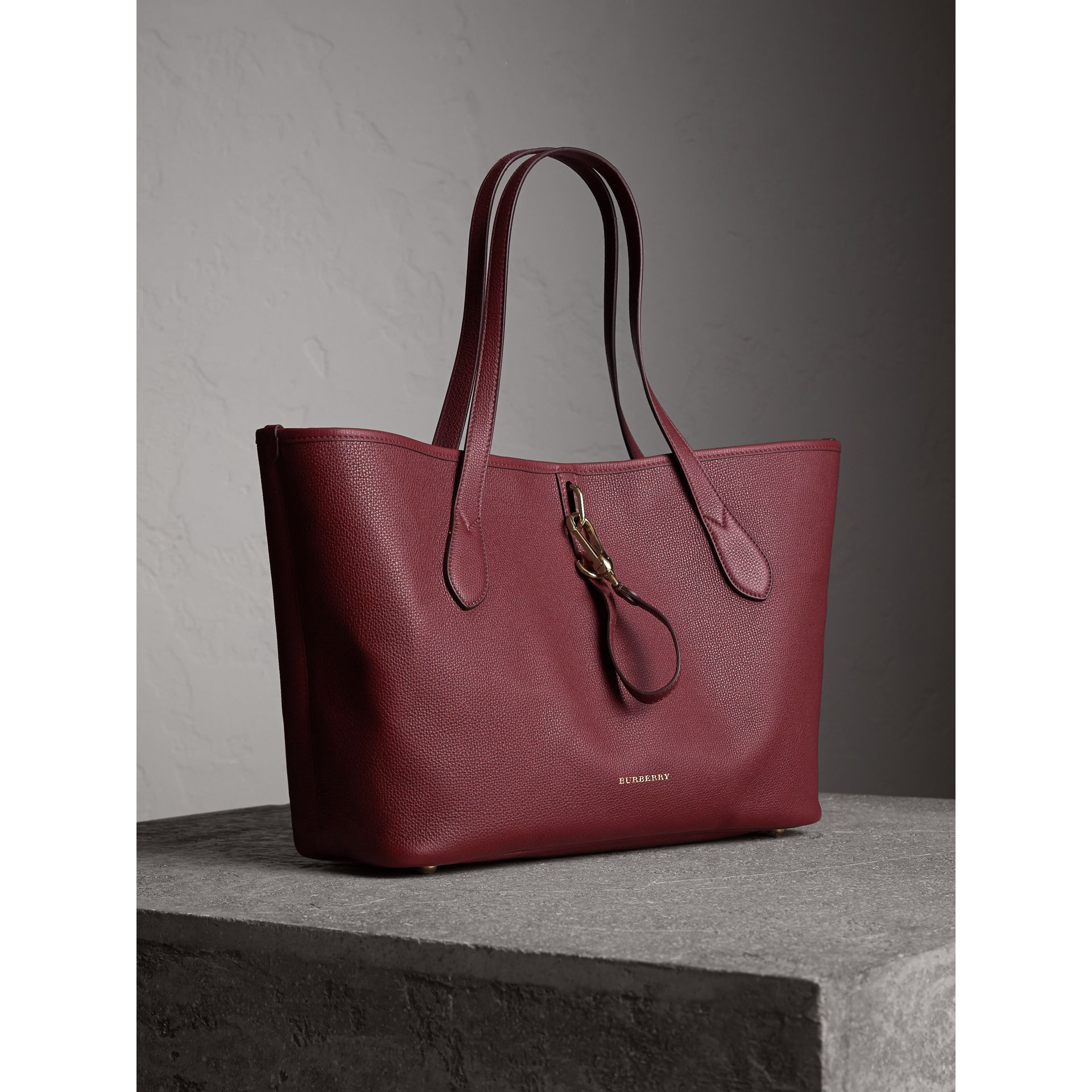 Medium Grainy Leather Tote Bag in Mahogany Red - Women | Burberry - gallery image 6