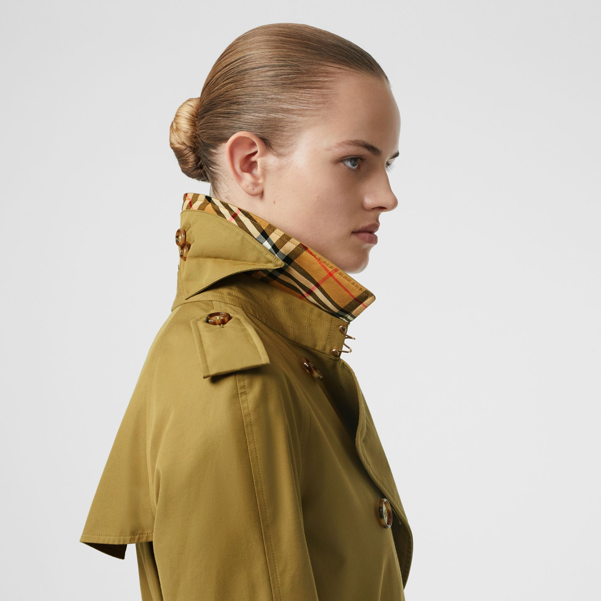The Waterloo Trench Coat in Rich Olive - Women | Burberry United Kingdom - gallery image 7