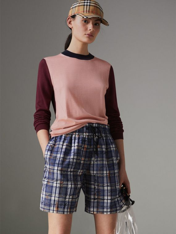 Suéter de seda e cashmere em colour block (Damasco Rosa)