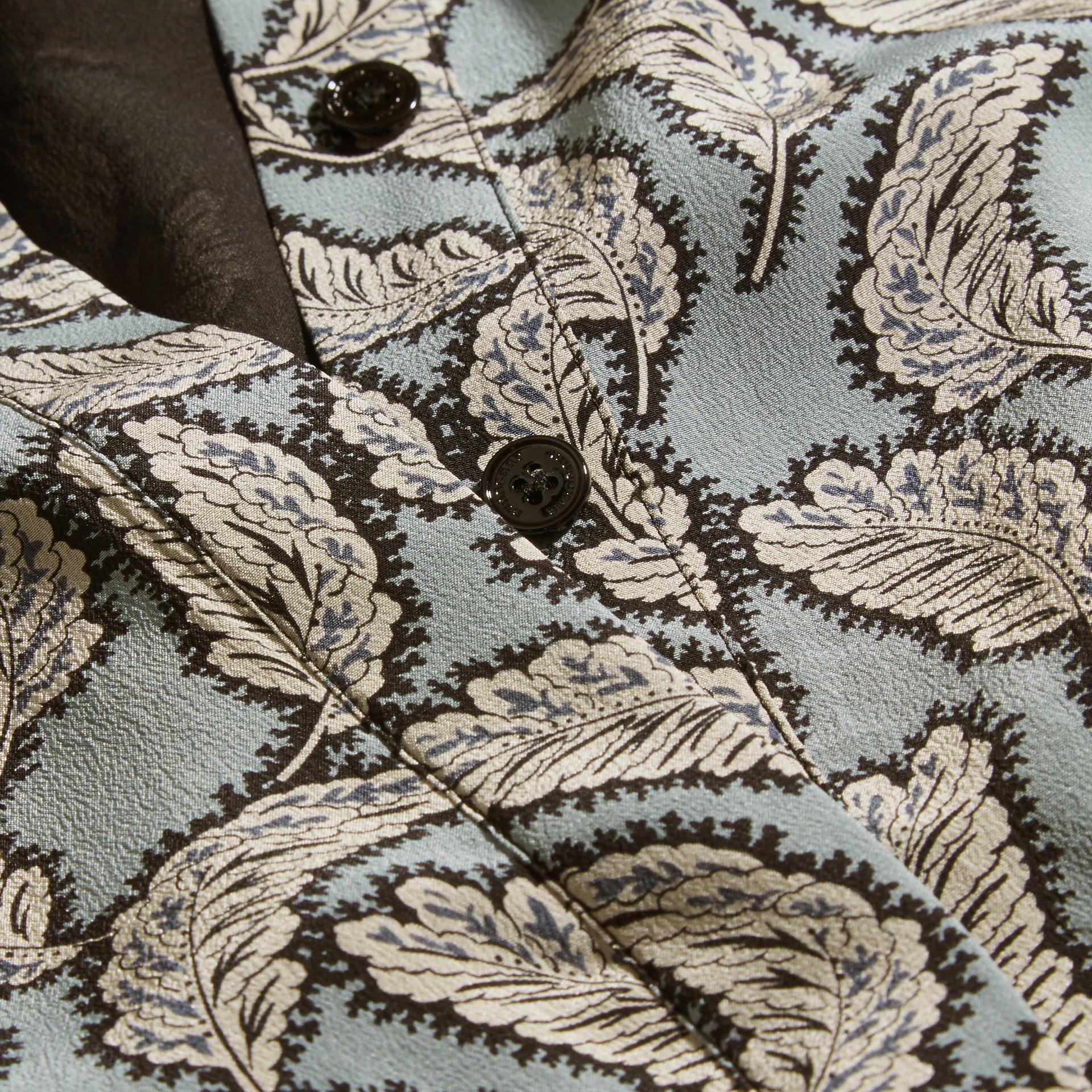 Bleu pierre Robe chemise en soie à imprimé feuillage - photo de la galerie 2