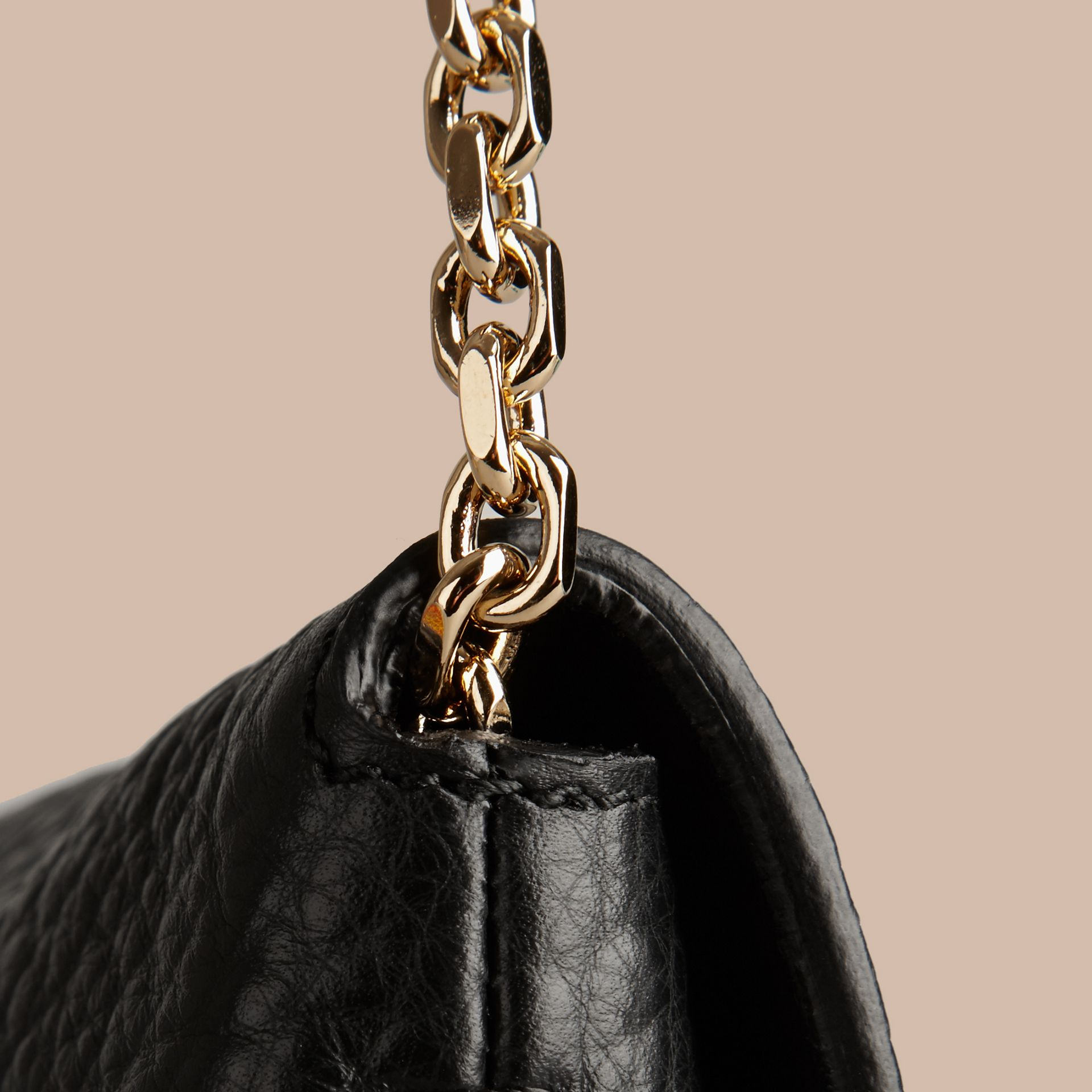 Black Medium Signature Grain Leather Clutch Bag - gallery image 5
