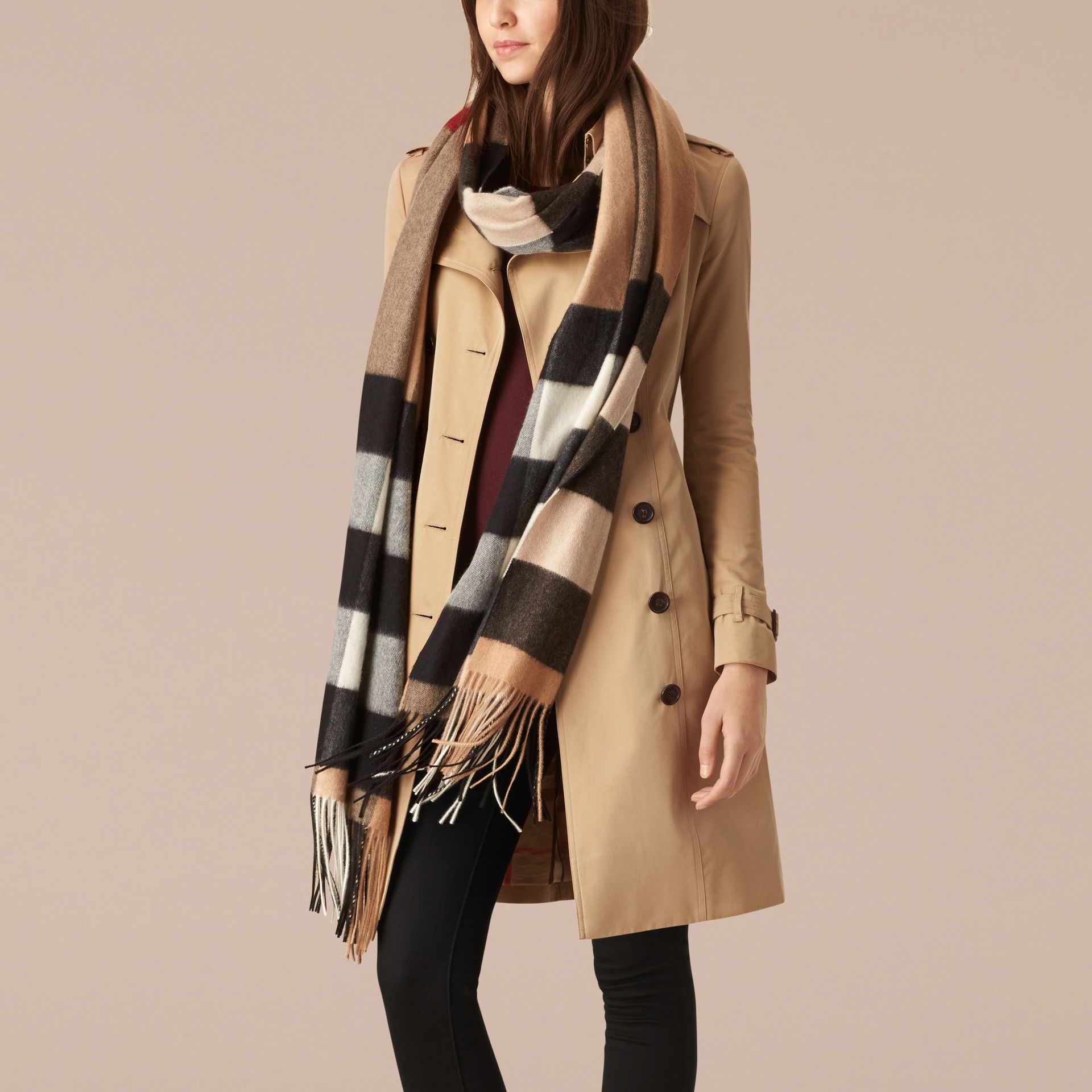 Oversize Check Cashmere Scarf in Camel | Burberry - gallery image 3