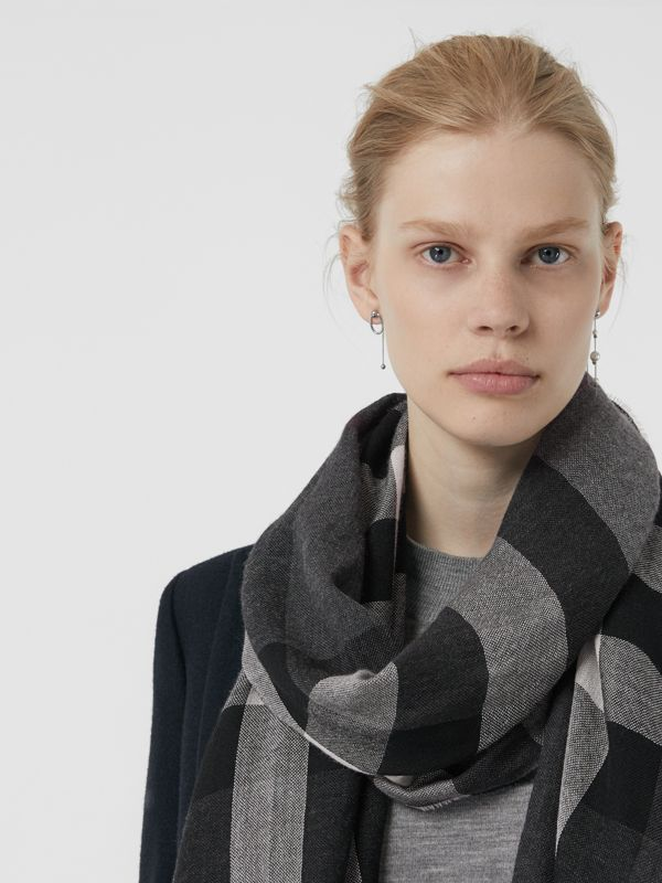 Lightweight Check Wool Cashmere Scarf in Charcoal | Burberry Australia - cell image 3