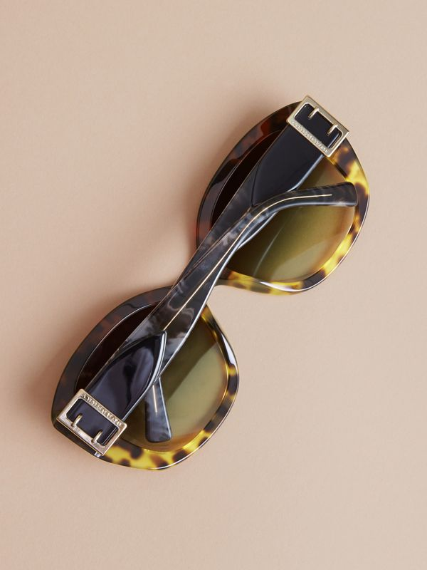 Buckle Detail Oversize Square Frame Sunglasses in Amber Yellow - Women | Burberry United States - cell image 3