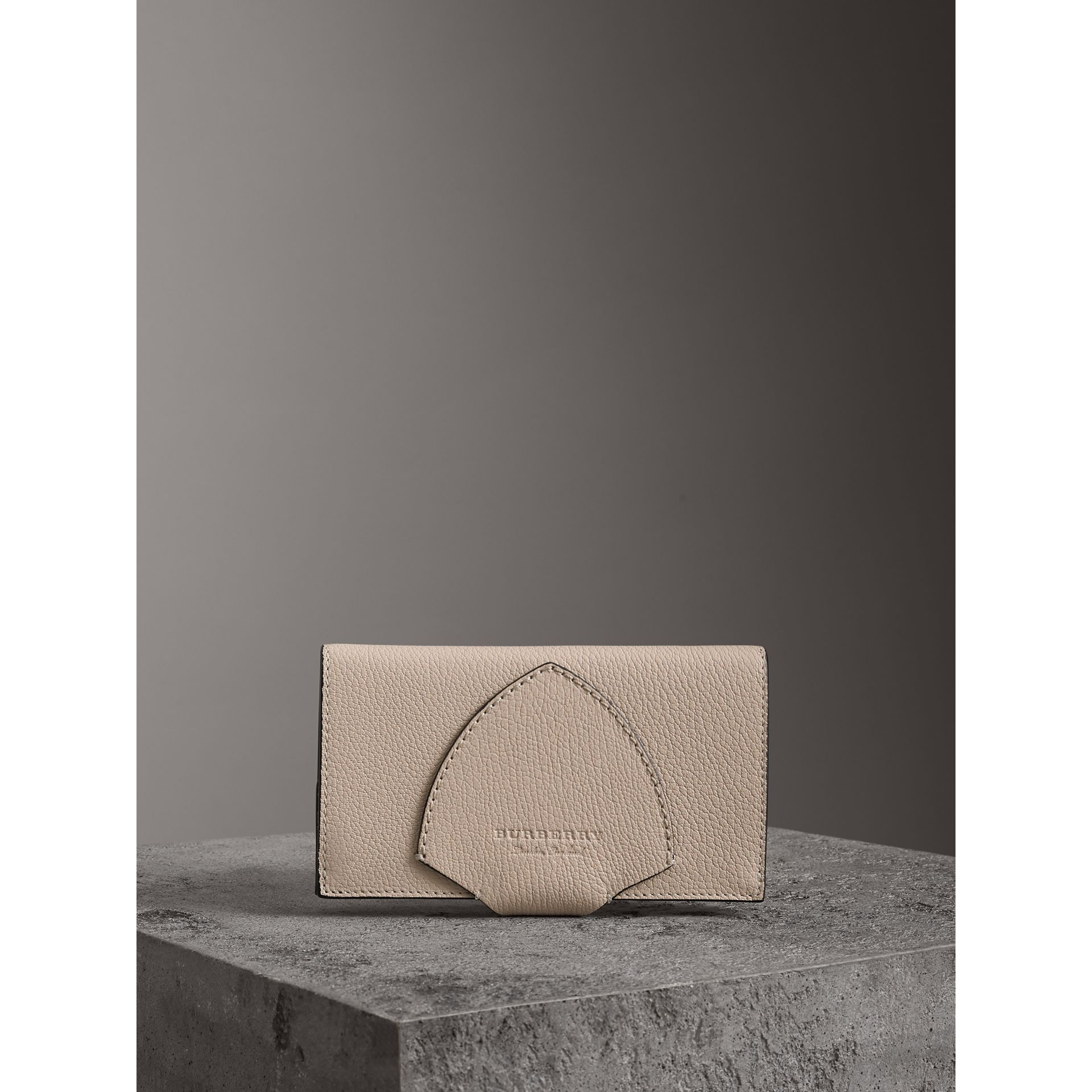 Equestrian Shield Two-tone Leather Continental Wallet in Stone - Women | Burberry Singapore - gallery image 4