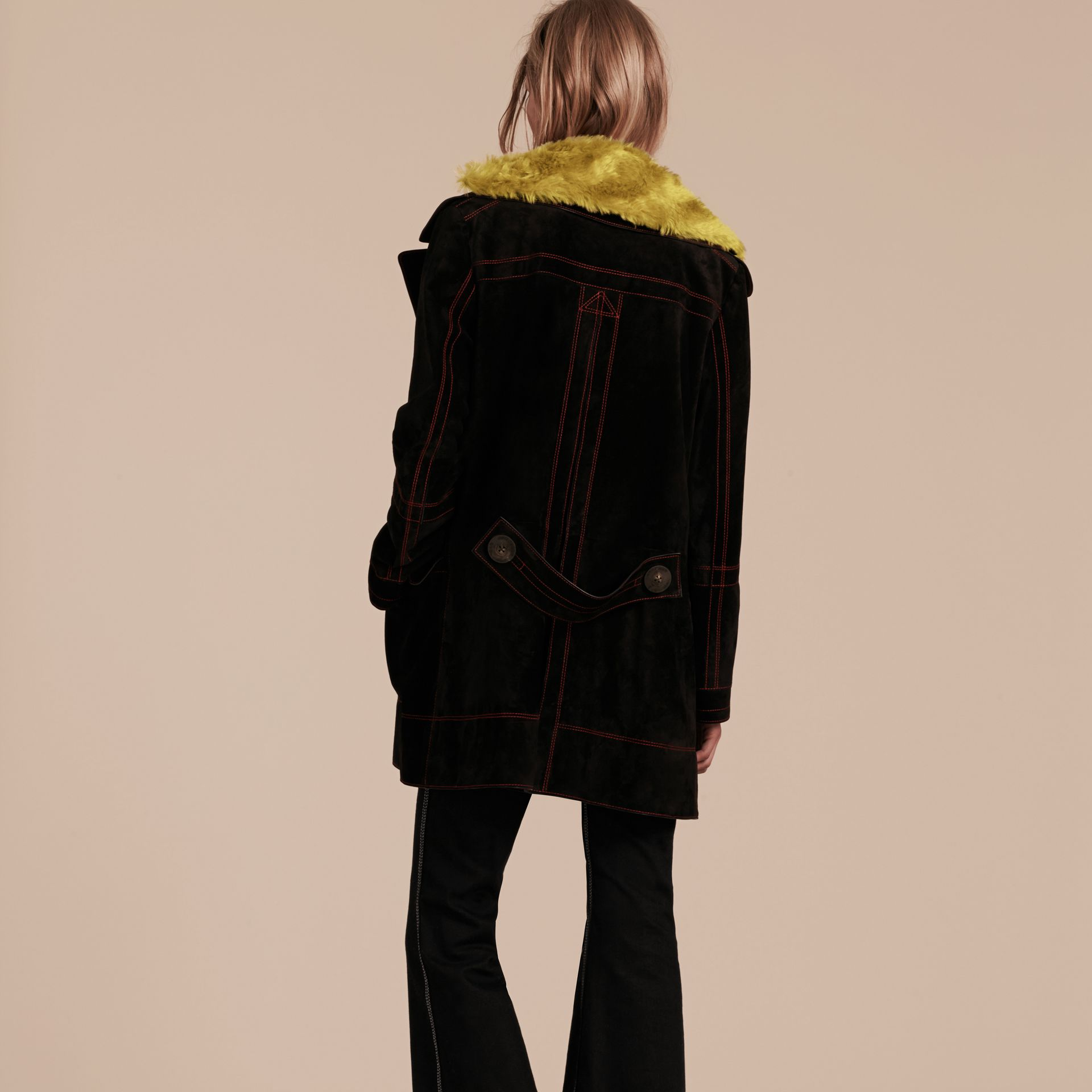 Preto Pea coat de camurça com colarinho de shearling - galeria de imagens 3
