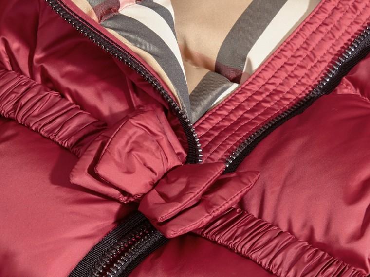 Casaco acolchoado com plumas com detalhe de pele de raposa no capuz removível - cell image 1
