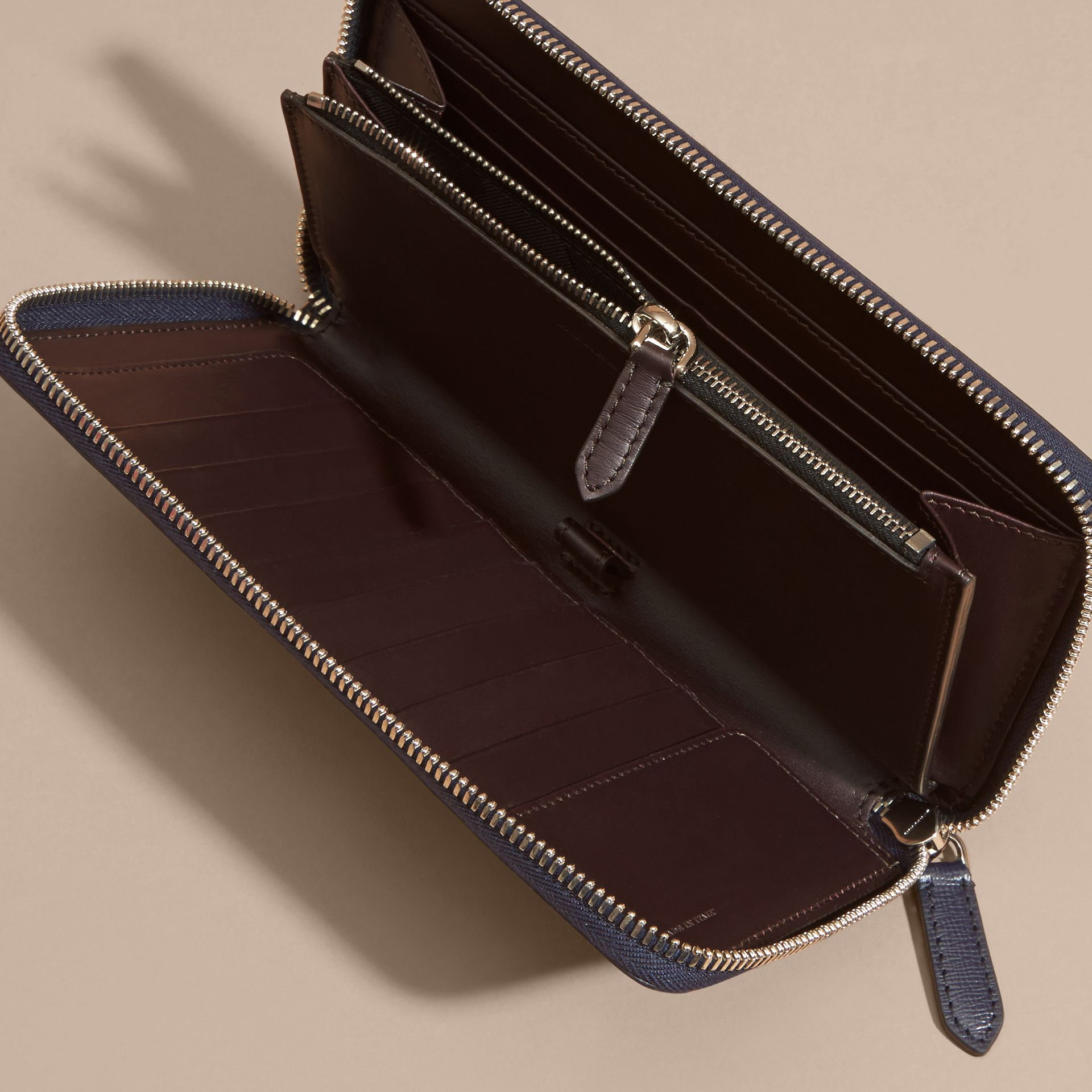 Border Detail London Leather Ziparound Wallet Dark Navy - gallery image 5