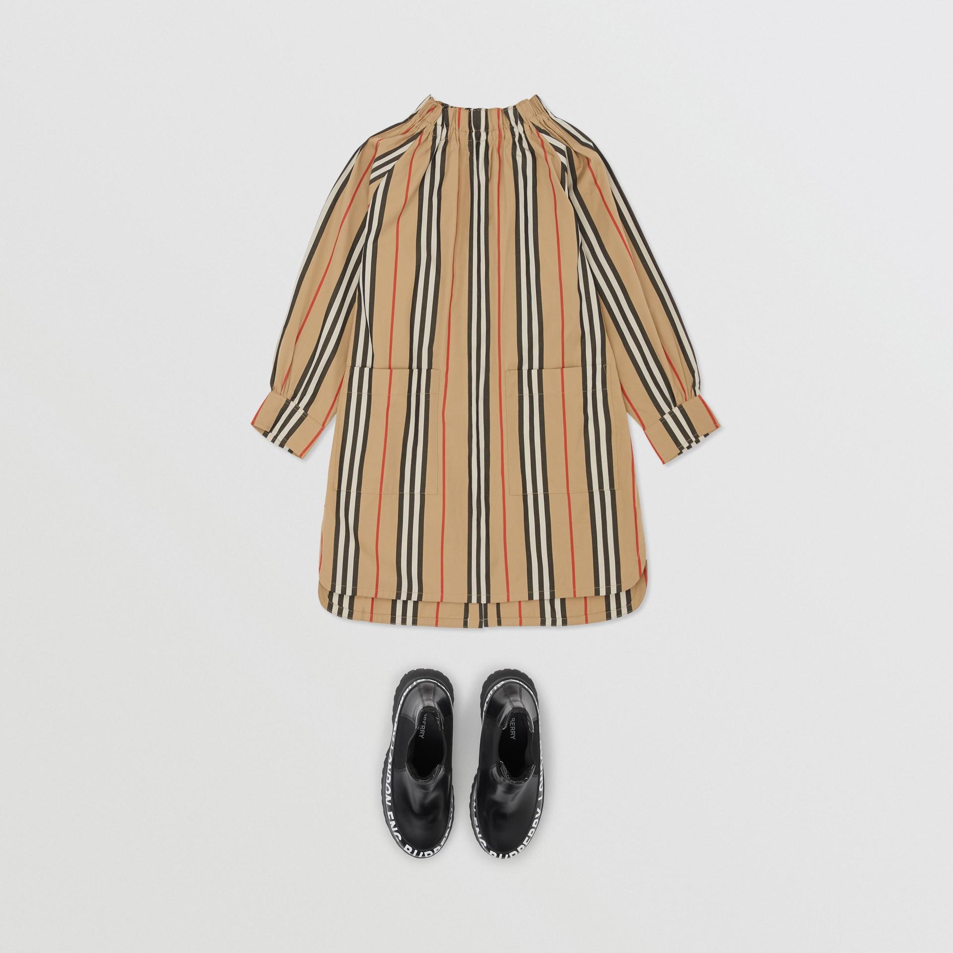 Robe en popeline de coton à rayures iconiques (Beige D'archive) | Burberry - photo de la galerie 2