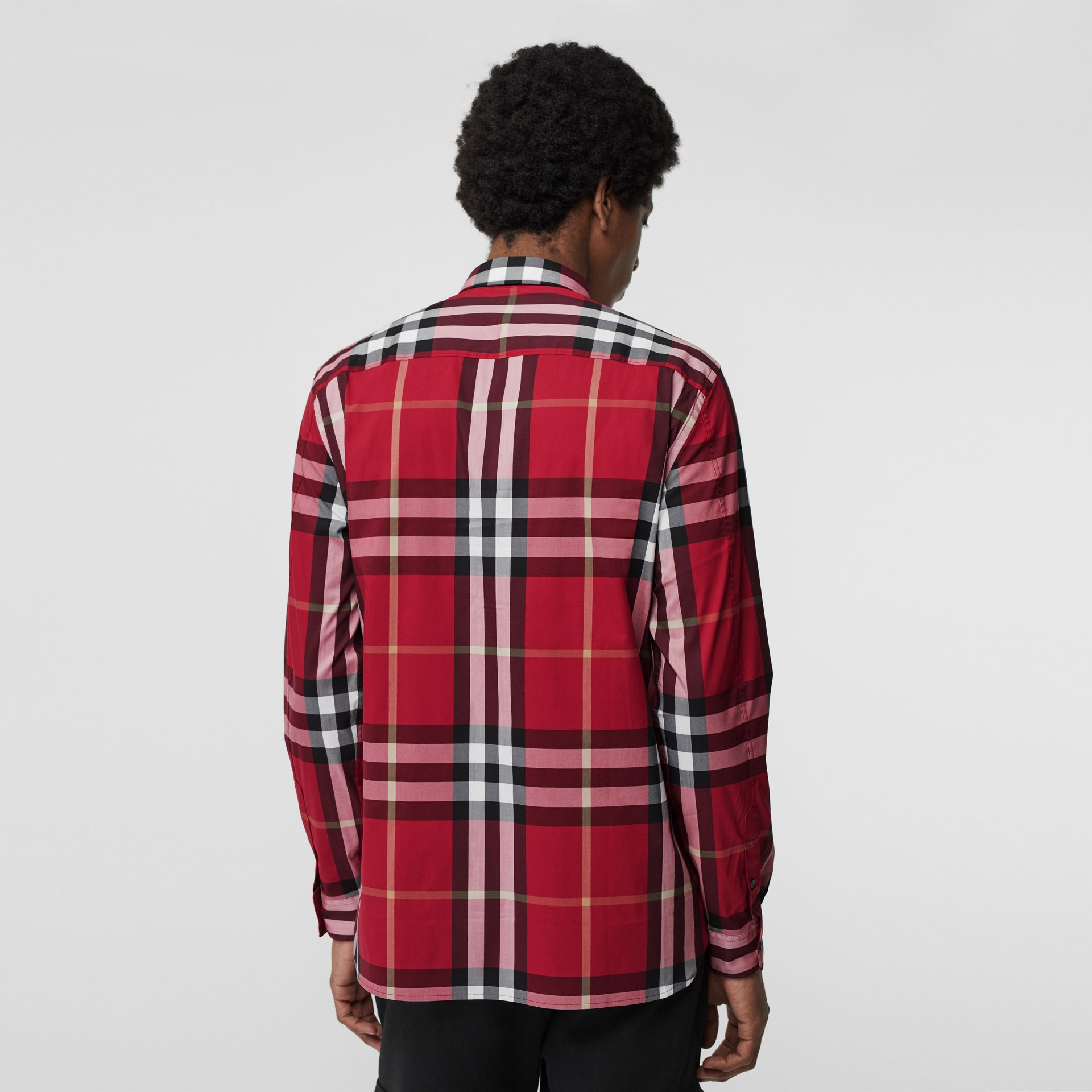 Chemise en coton extensible à motif check (Rouge Parade) - Homme | Burberry - photo de la galerie 2