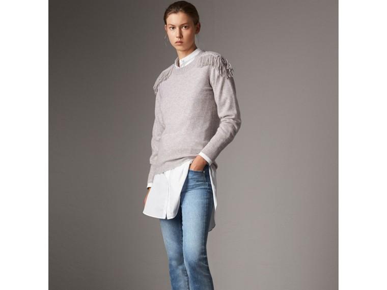 Pullover in lana e cashmere con passamanerie militari (Grigio Pallido Mélange) - Donna | Burberry - cell image 4