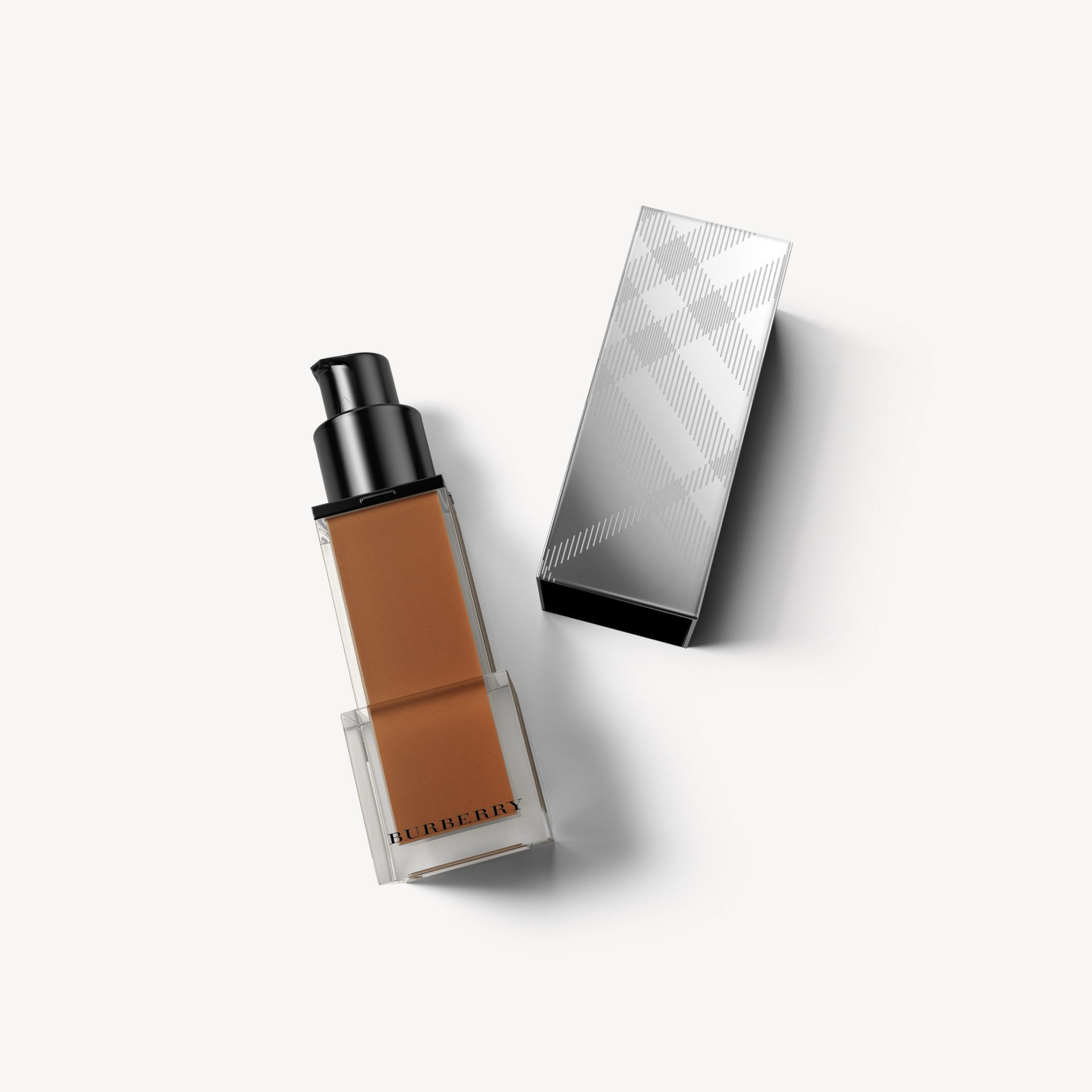 Fresh Glow Foundation SPF 15 PA+++ – Chestnut No.60 - Women | Burberry - gallery image 1