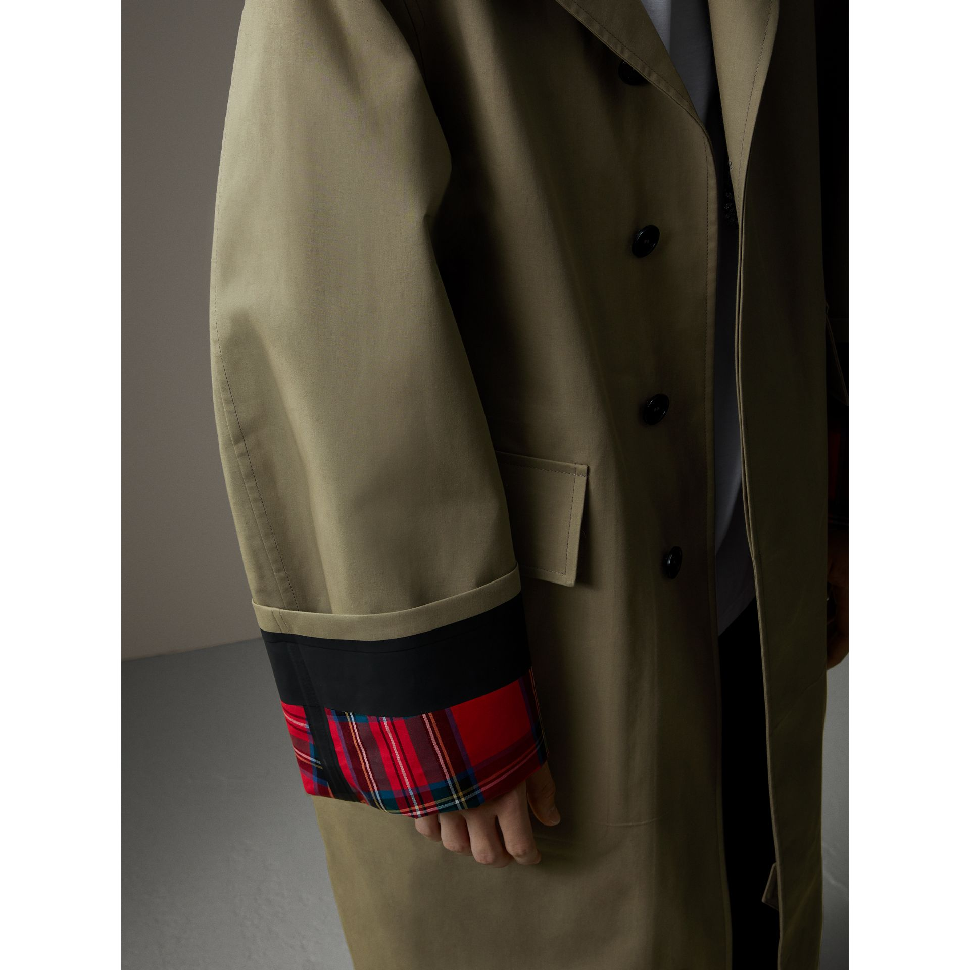 Bonded Cotton Oversized Seam-sealed Car Coat in Pale Olive/bright Red - Men | Burberry United Kingdom - gallery image 2