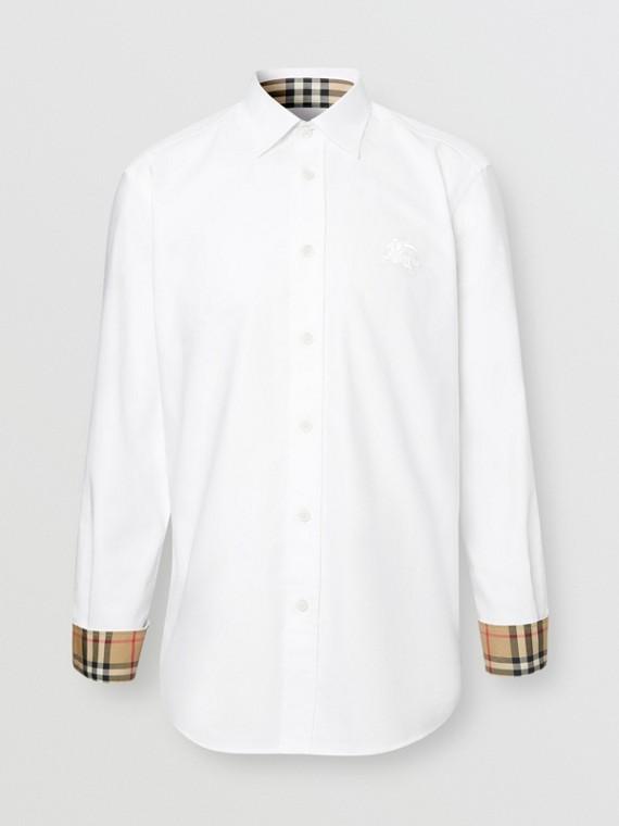 Camicia in popeline di cotone stretch con il marchio del cavaliere equestre ricamato (Bianco)