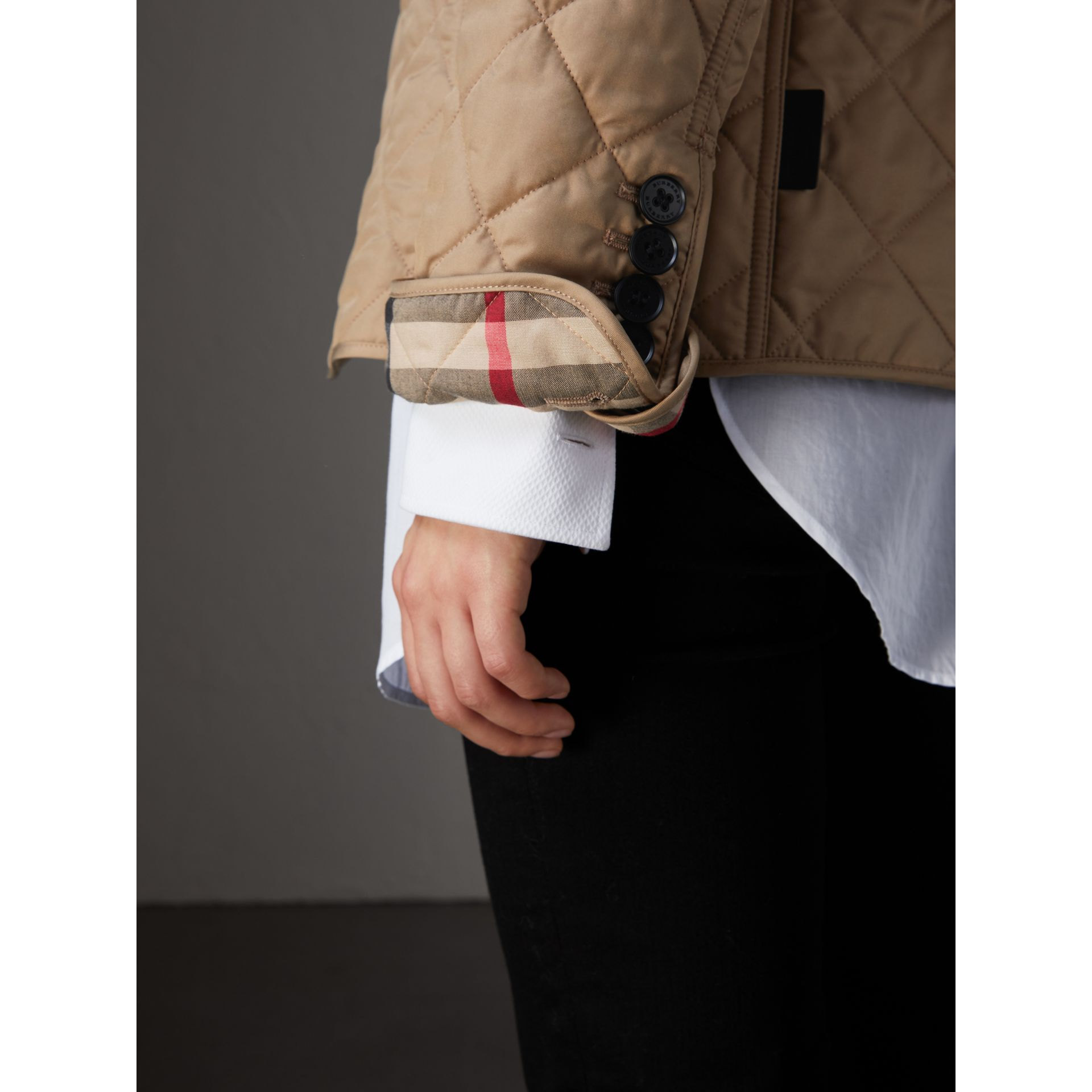 Diamond Quilted Jacket in Canvas - Women | Burberry United Kingdom - gallery image 4