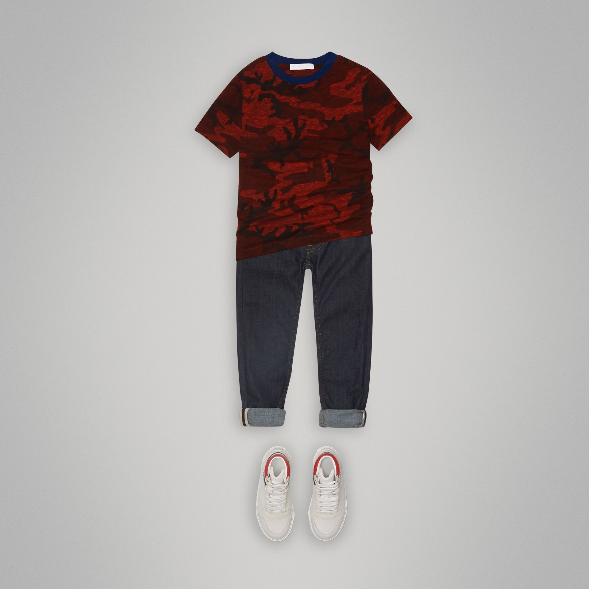 Camouflage Print Jersey T-shirt in Red | Burberry - gallery image 2