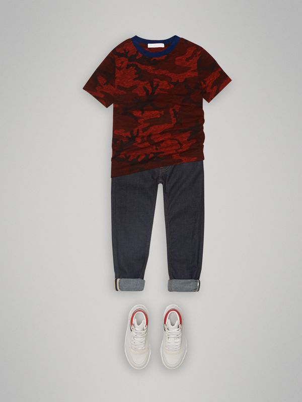 Camouflage Print Jersey T-shirt in Red | Burberry - cell image 2