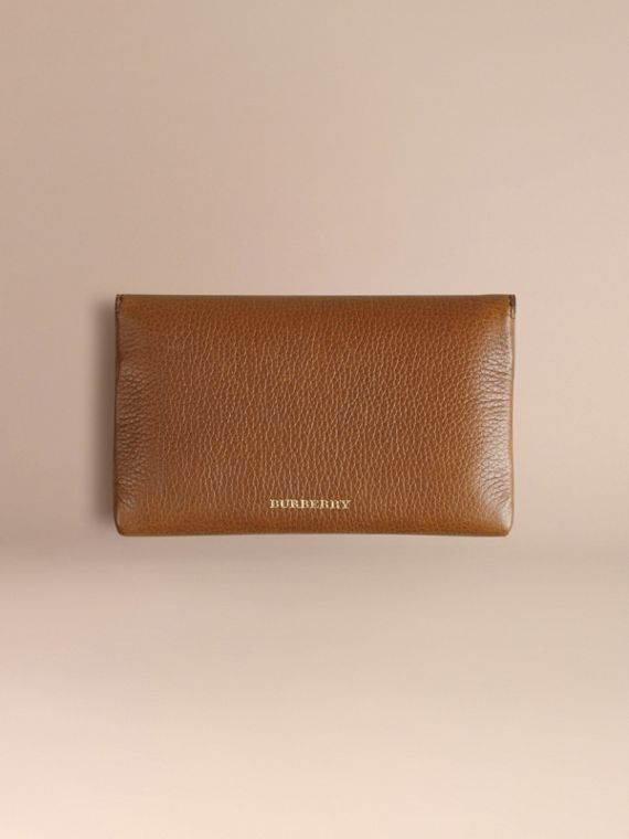 Wooden Domino Set with Grainy Leather Case in Tan | Burberry - cell image 3