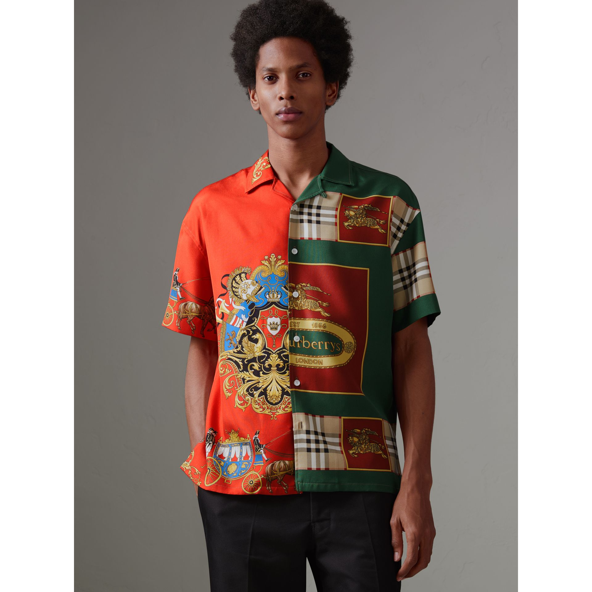Short-sleeve Archive Scarf Print Silk Shirt in Bright Orange - Men | Burberry Australia - gallery image 4