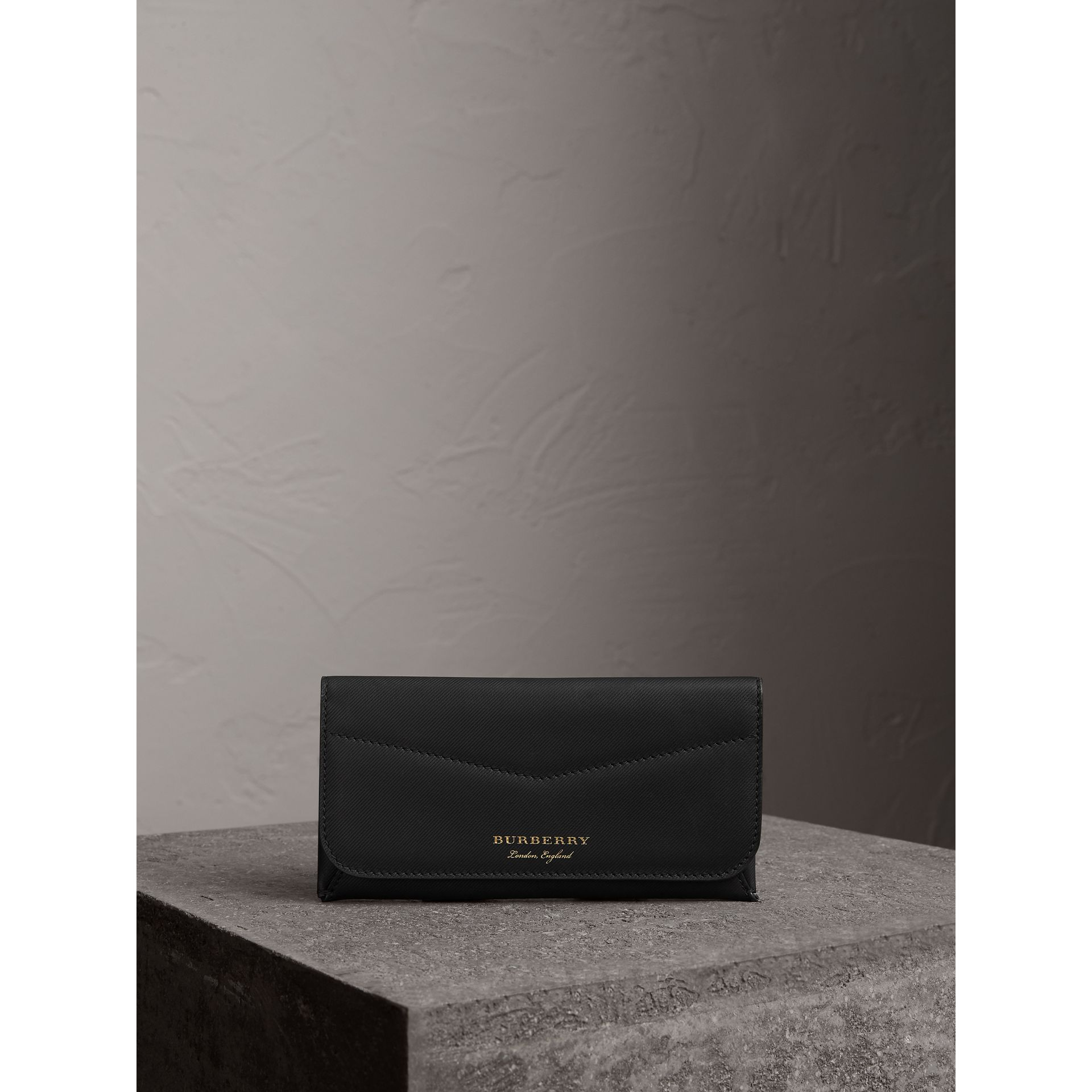 Trench Leather Envelope Wallet in Black - Women | Burberry - gallery image 4