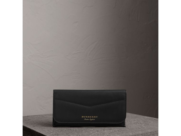 Trench Leather Envelope Wallet in Black - Women | Burberry - cell image 4