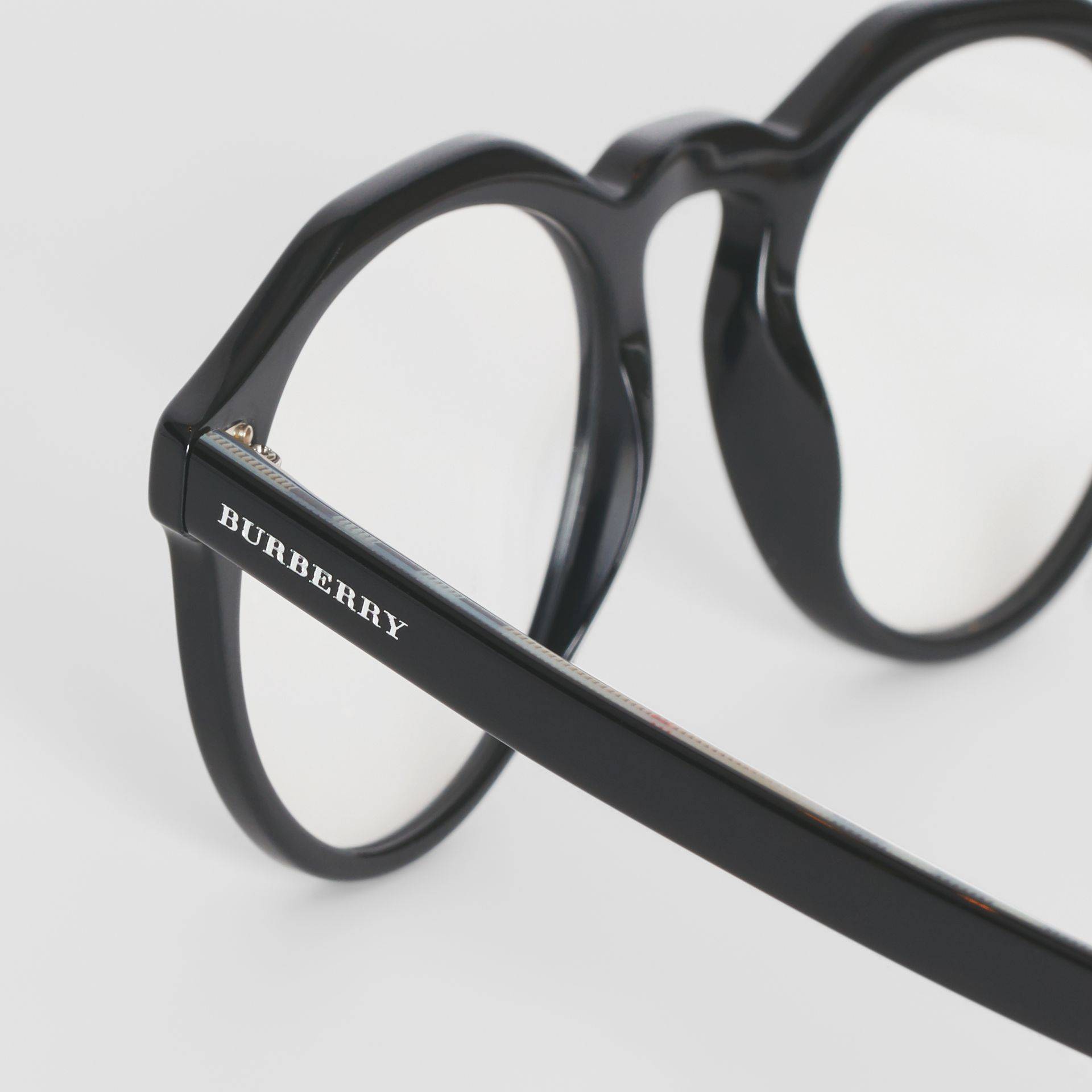 Vintage Check Detail Keyhole Round Optical Frames in Black - Men | Burberry Canada - gallery image 1