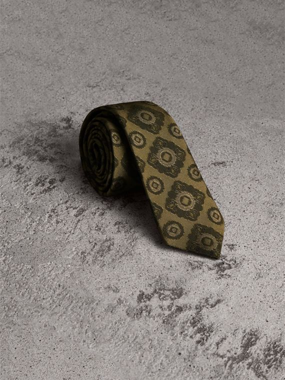 Slim Cut Tiled Floral Silk Jacquard Tie in Military Green