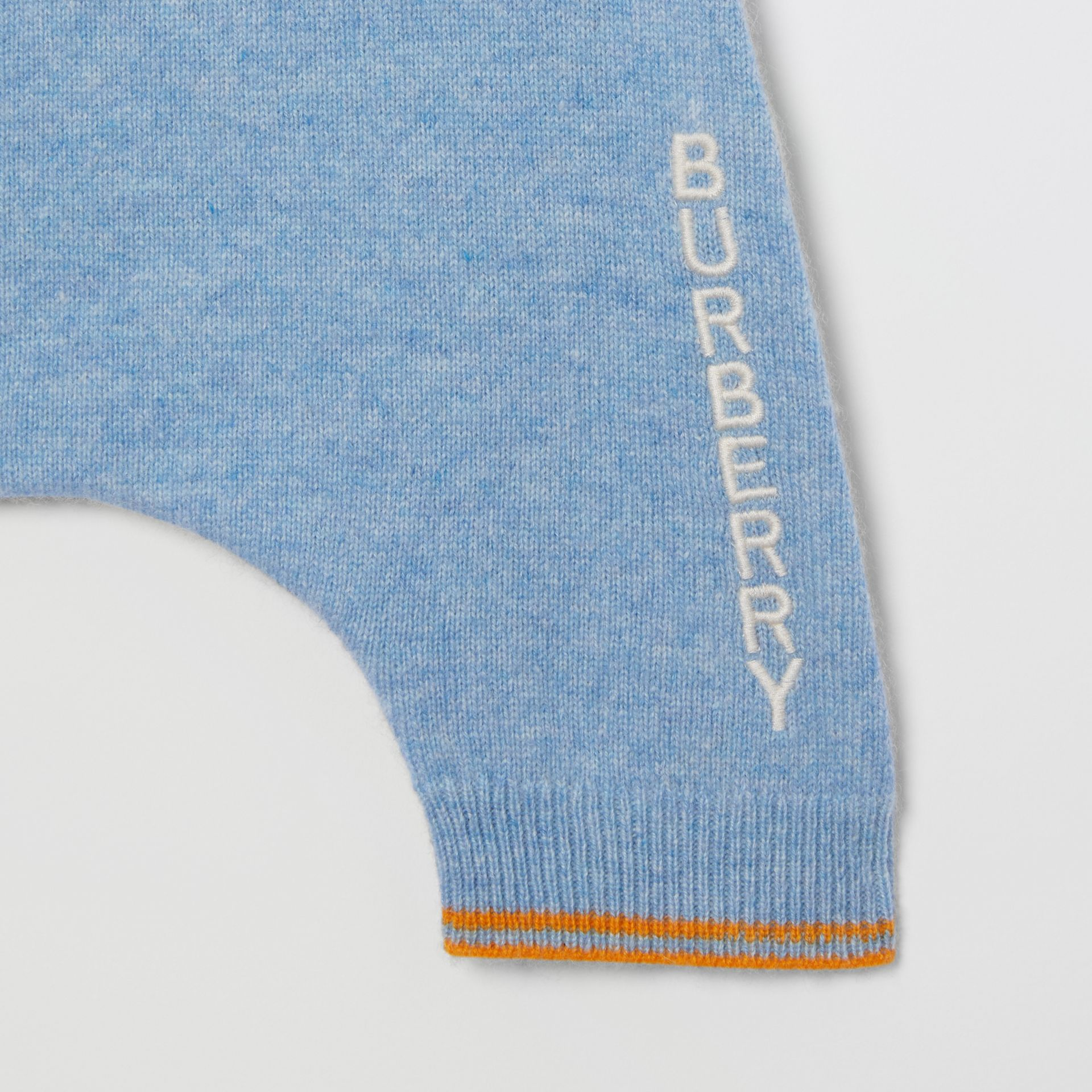 Bear Intarsia Wool Cashmere Two-piece Baby Gift Set in Pale Blue - Children | Burberry United Kingdom - gallery image 7