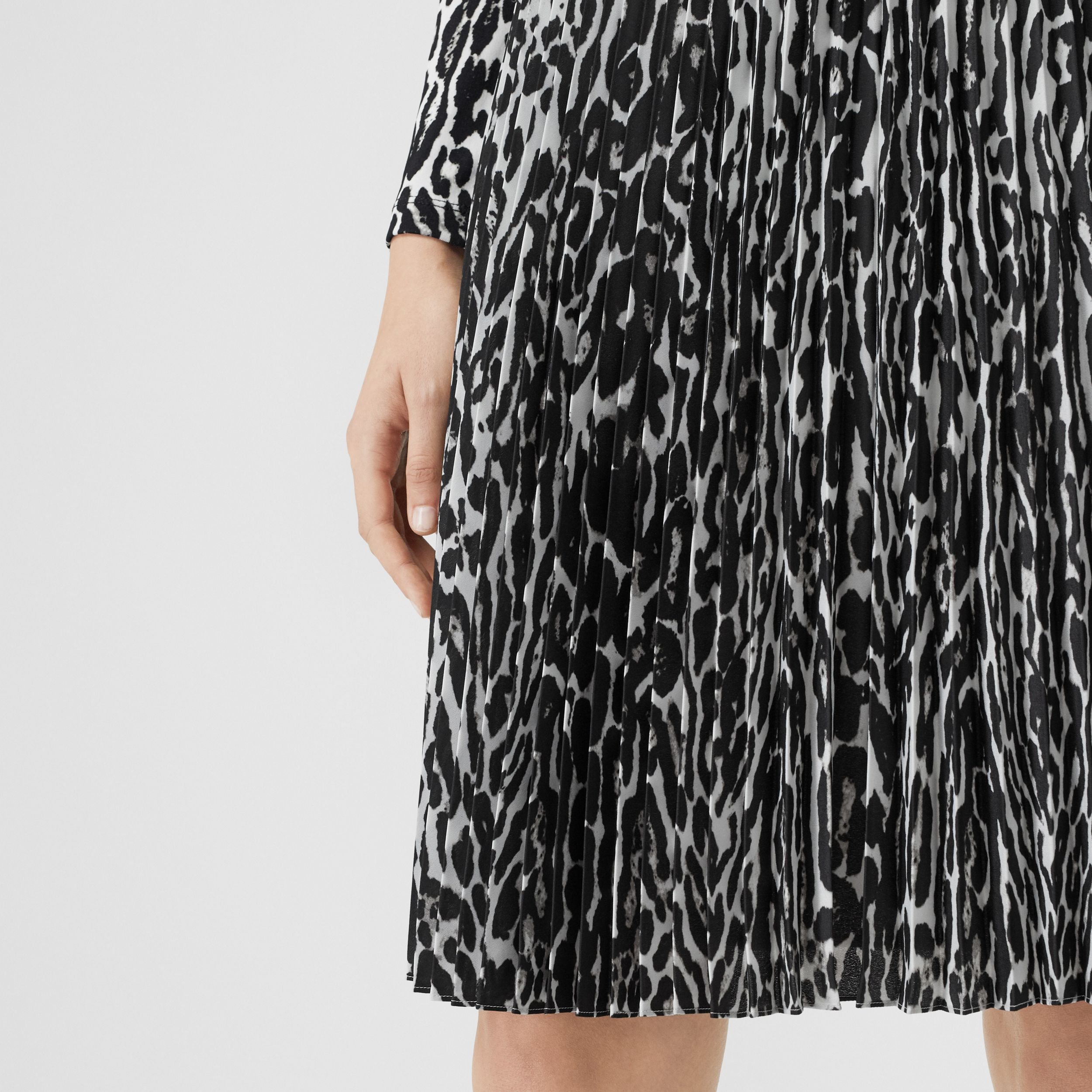 Leopard Print Pleated Skirt in Black - Women | Burberry - 2