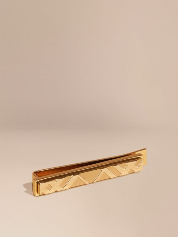 Check-engraved Tie Bar in Pale Gold