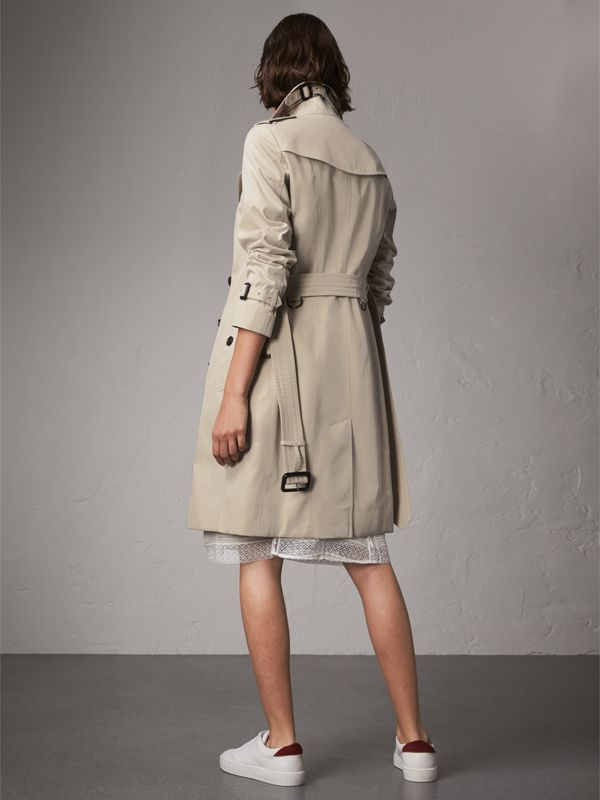 The Sandringham – Long Trench Coat in Stone - Women | Burberry United States - cell image 2