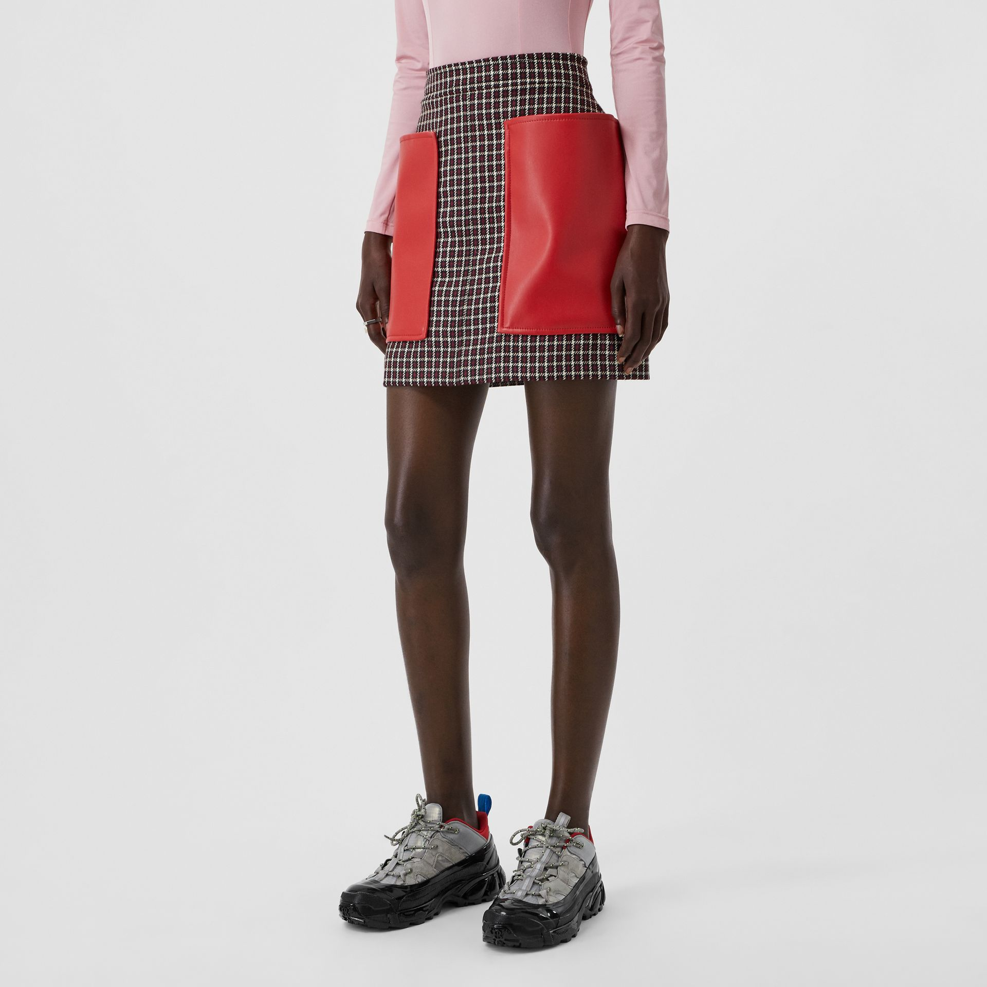 Pocket Detail Tartan Wool Mini Skirt in Bordeaux - Women | Burberry United Kingdom - gallery image 3