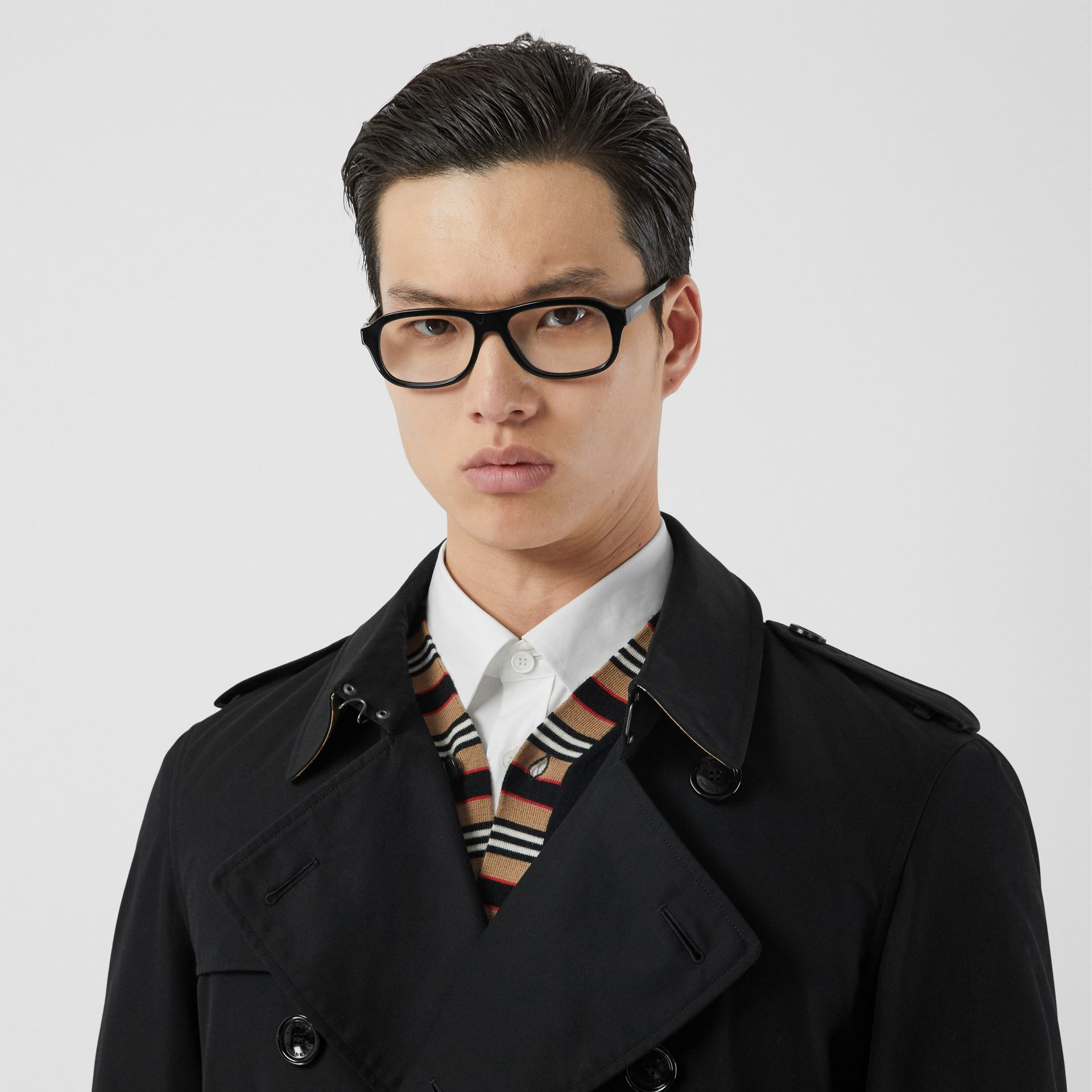 The Chelsea Heritage Trench Coat in Black - Men | Burberry - gallery image 10