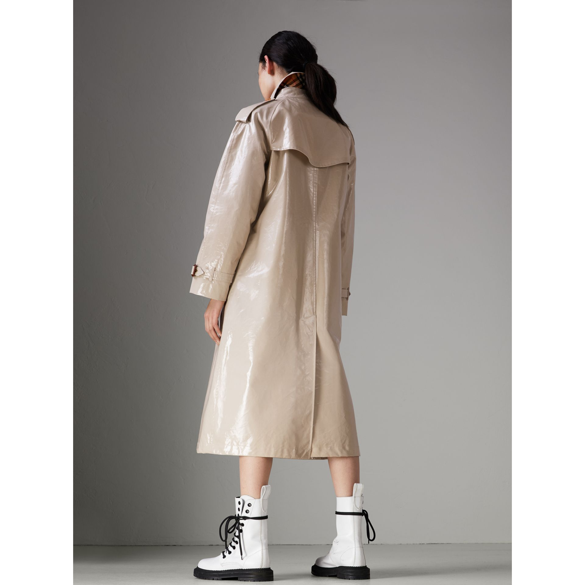 Raglan-sleeve Laminated Gabardine Trench Coat in Stone - Women | Burberry - gallery image 2