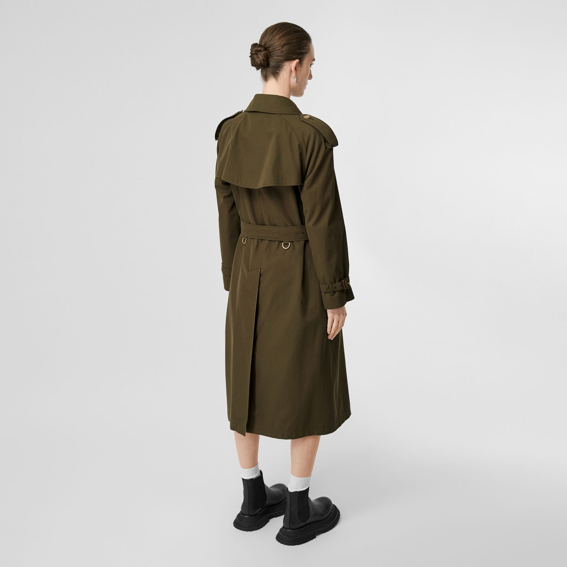 The Long Westminster Heritage Trench Coat in Dark Military Khaki - Women | Burberry United Kingdom - gallery image 2