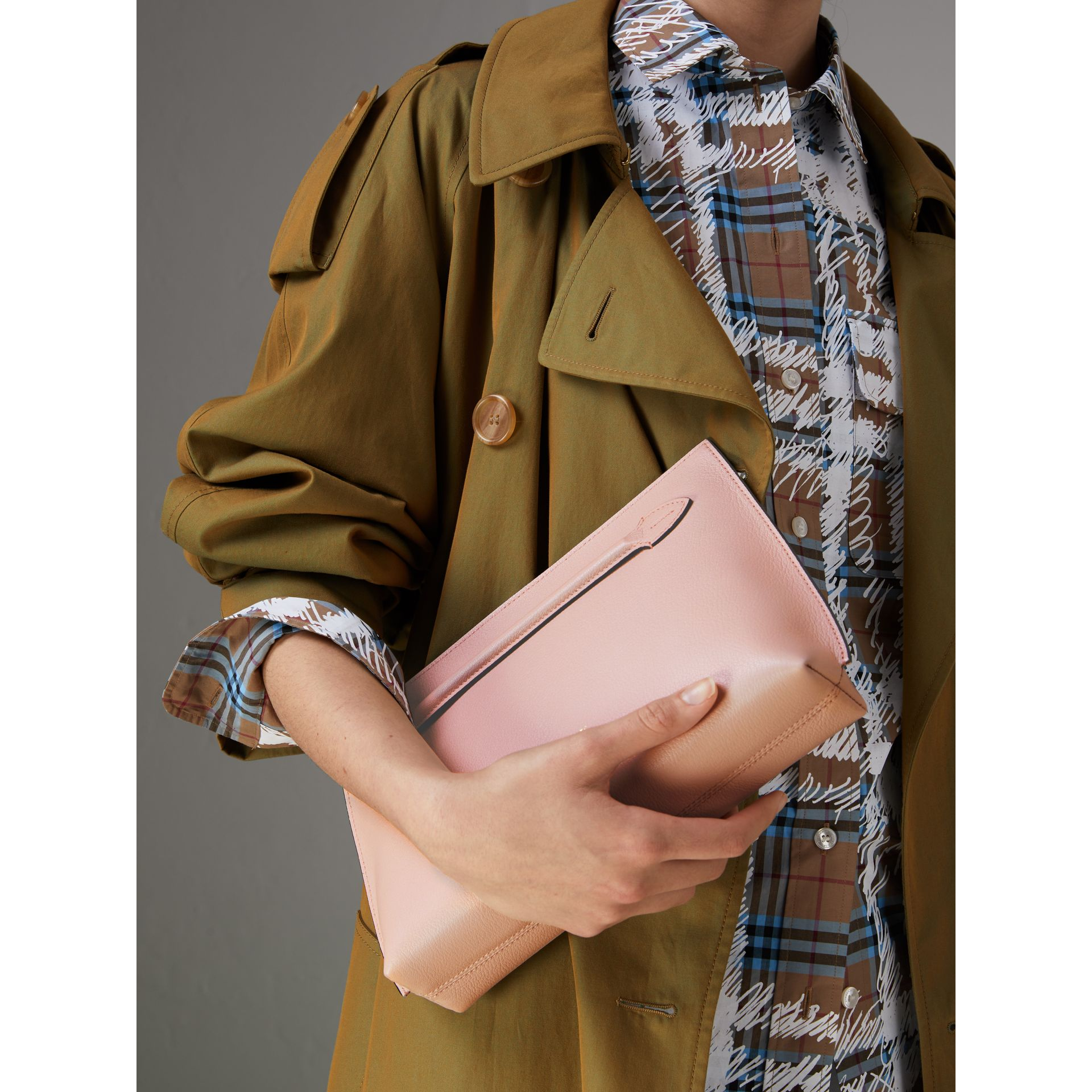 Grainy Leather Wristlet Clutch in Pale Ash Rose - Women | Burberry United Kingdom - gallery image 3
