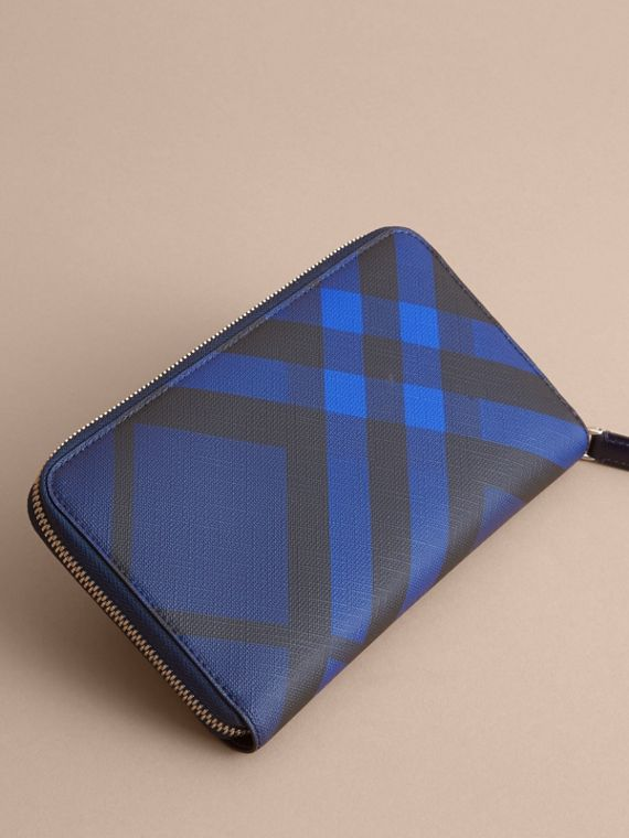 London Check Ziparound Wallet in Bright Lapis - Men | Burberry - cell image 3
