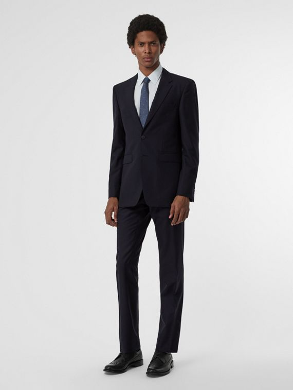 Modern Fit Wool Suit in Navy