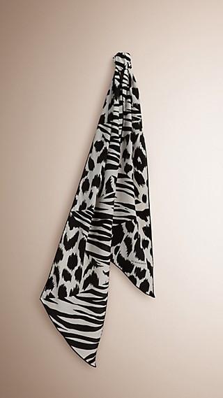 Sciarpa in seta con patchwork di stampe animalier