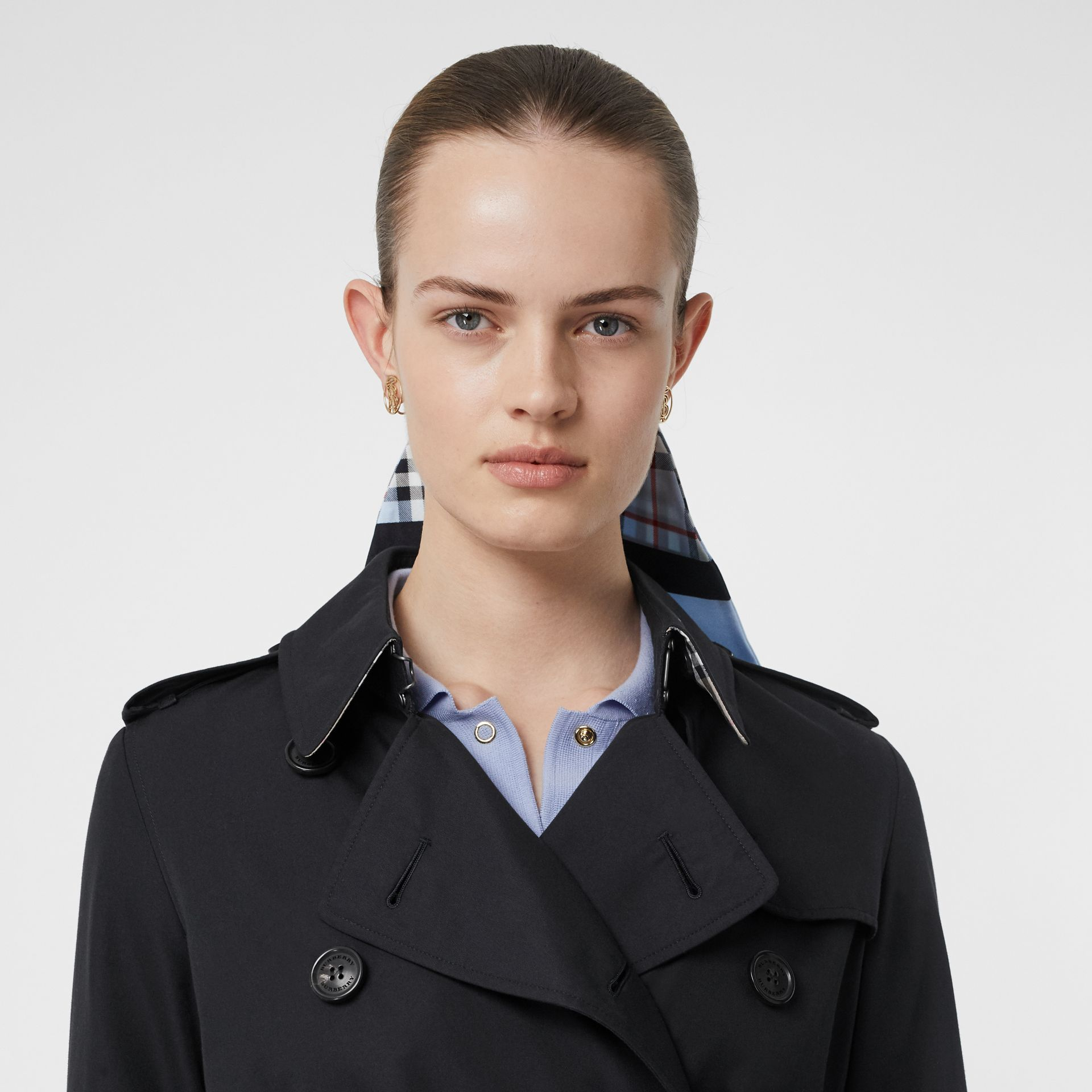 The Kensington Heritage Trench Coat in Midnight - Women | Burberry - gallery image 1